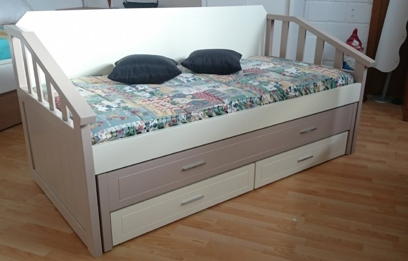 Sofa cama de tipo compacto con 2 camas y 2 cajones for Sofa cama con cajones